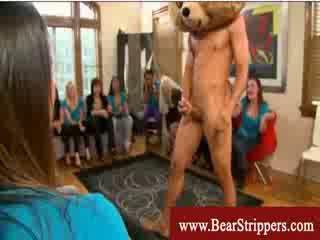 Bachelorettes get seduced by a dancing bear