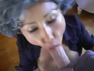 成熟した アジアの 若い pervert