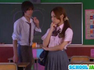 Asiatico studentessa yukina momota