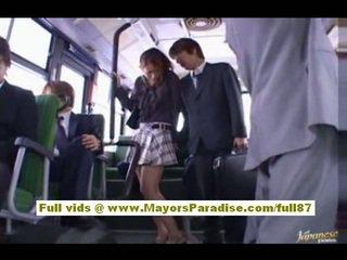 Nao yoshizaki seksikäs aasialaiset teinit päällä the bussi