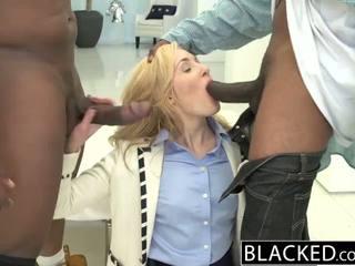 Blacked 2 groot zwart dicks voor rijk blank meisje