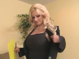 Sassy mom aku wis dhemen jancok brittany andrews teaches a young prick a thing or two