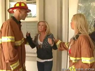 Berpayu dara besar firewoman nikki benz