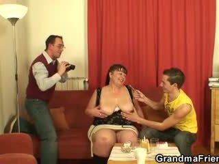 Gras matura tarfa swallows two dicks