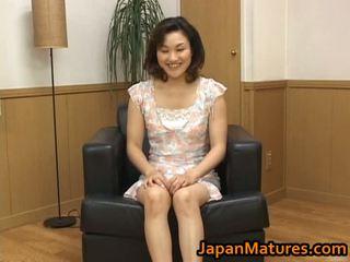 Futand matura asiatic femeie