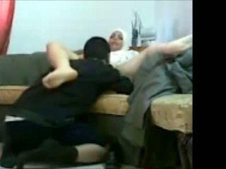 Arab judiska flicka i kontors med henne klient