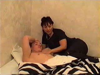 Oğlan wakes oğul için seks