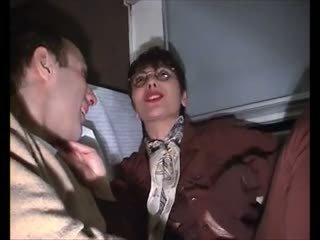 Sophia eldre poilu sodomise dans le tog