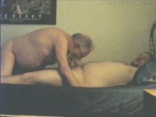 爺爺 has 有趣 同 grandson