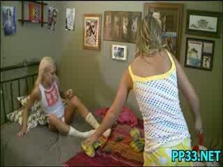 Slutty מתוק נערה meets פנים ל פנים