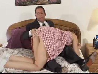 μελαχροινή, στοματικό σεξ, διπλή διείσδυση