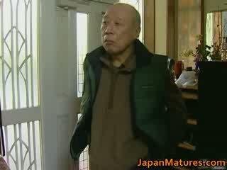 Jaapani milf enjoys kuum seks