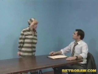 Shpim nga të saj lawyer