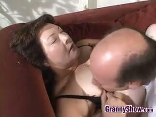 श्यामला, बड़े स्तन, नानी, blowjob