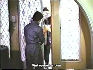 ขนดก กรีก สาว ระยำ โดย ของพวกเขา boyfriends 1970s.