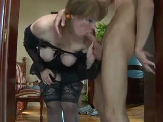 Mom and Hungry Boy: Hungry Mom Porn Video 5e