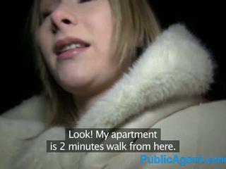 Publicagent gražu blondinė fucks didelis varpa į viešbutis kambarys