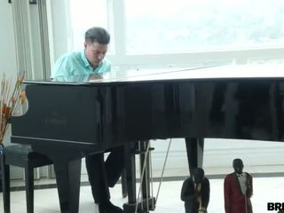 Bitch brut-fucked by piano guy - Porn Video 861