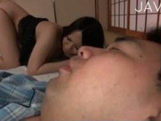 देखिए जापानी, बड़े स्तन, मुख्यालय titjob