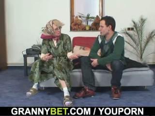 Senas moterys gets jos bald putė slammed