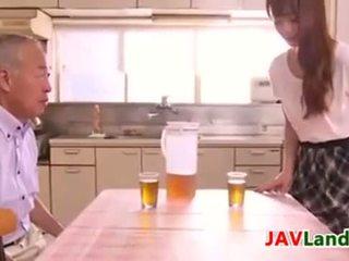 日本, 日本, 年轻的老
