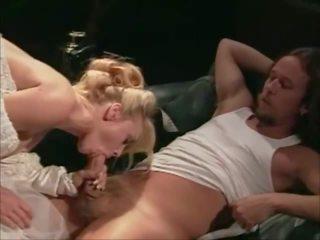 Čtyři weddings a a honeymoon 1995 - sc 5: volný porno c7