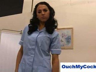 หยาบคาย พยาบาล louise jenson gives ผู้ป่วย a harsh ใช้มือ