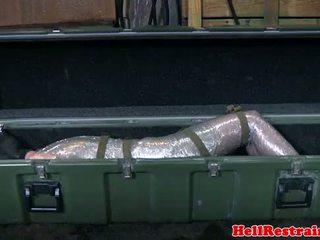 Mummified נכנעת learns discipline