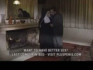 Assfucking une nonne
