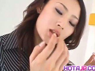 Risa murakami vollbusig sucks und licks tool