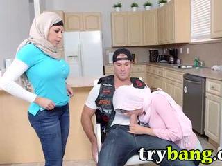 Arab mia khalifa & juliana vega 继母 3way