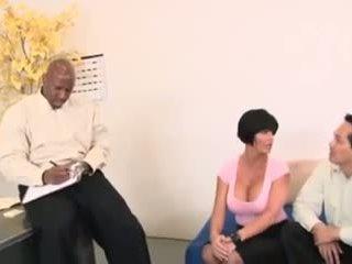 거유 아내, 아시아의 남편 과 dr. bbc