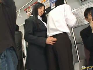 Saori hara the tajskie stunner gives a lizanie w the subway