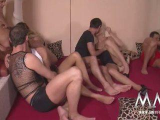 didelis penis, groupsex, doggystyle, orgazmas