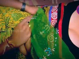 Индийски домакиня tempted момче neighbour чичо в кухня - youtube.mp4