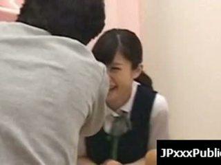 Sexy giapponese adolescenza cazzo in pubblico places 11