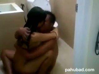 Couple toilet fuck