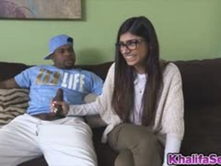 Hottie Babe Mia Khalifa Fucks A Black Dick