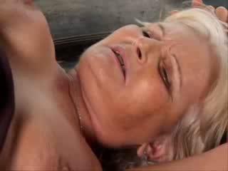 Senelės Analinis porno