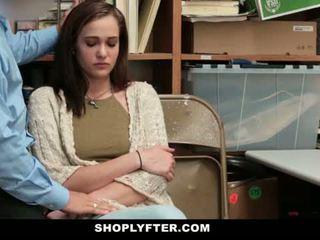 Shoplyfter - 妈妈 和 女儿 抓 和 性交 为 stealing