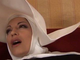 Heiß anal italienisch nonne: kostenlos milf porno video f4