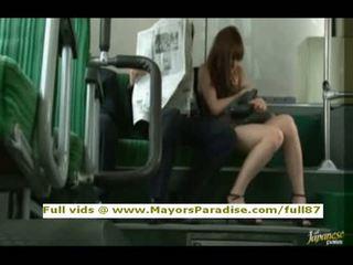 Rioasian modelis yra pakliuvom apie the autobusas