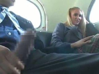 Dandy 171 أشقر طالب الملبس أنثى العاري ذكر مرح في حافلة 1