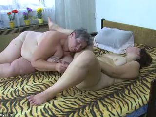 Oldnanny 豐滿的 女士們 masturbate 同 一 玩具