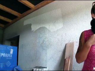 Дама boxer agata путка прецака за пари