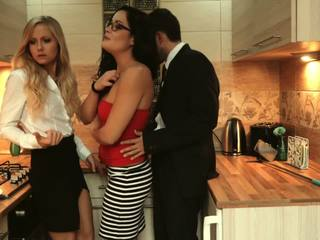 Los Consoladores - Hungarian Babes in a Hot FFM.