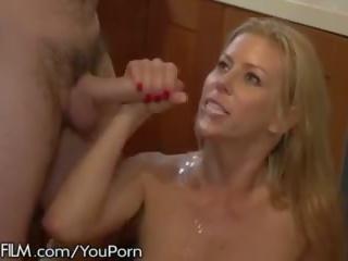 Slutty grua më e madhe alexis fawx nxehtë për husbands employee!