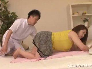Mollig asiatisch babe's groß titten natsuko kayama
