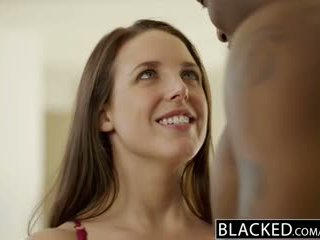 Blacked grande natural tetas australiana miúda angela branca fucks bbc