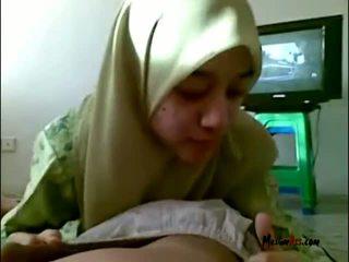 Hijab násťročné satie gule